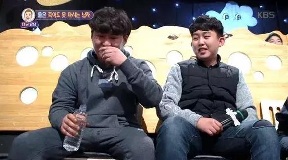 韩男子20年不喝水,不出意外变得又丑又胖!原因竟然是太奇葩!