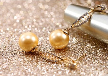 珍珠价格连续三年上涨 珍珠的成因是什么?