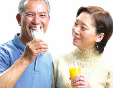 老年人补钙食谱,多吃这几类食材来填补