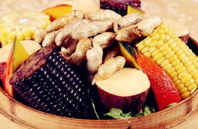 白内障手术后吃什么有益于维修保养?