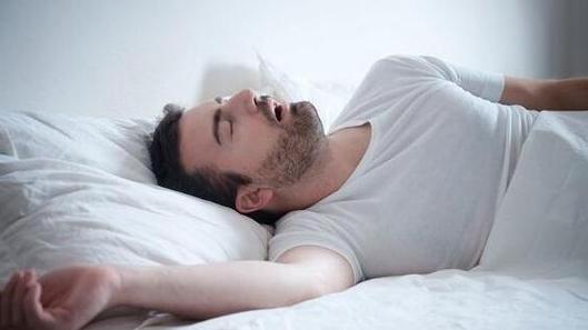 睡觉打呼噜的诱因,有可能是疾病在作怪,别大意
