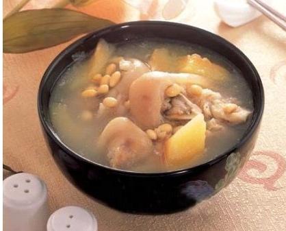 女性传统坐月子饮食有哪些误区,矫正方法是什么?