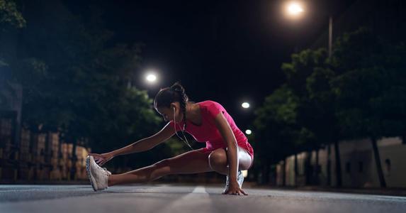 晚上在家怎么运动减肥?这些运动可以帮助你有效减脂