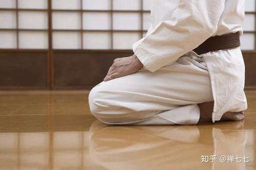 正确的跪坐姿势能够让你更健康 具有保健养生的功效