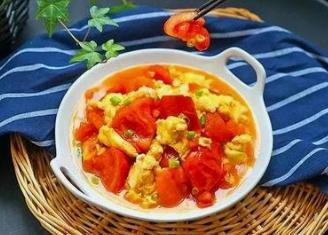 如何挑选西红柿?西红柿炒鸡蛋是先炒西红柿还是先炒鸡蛋?