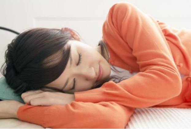 肝火旺,睡觉时出现这些异常现象,别不在意