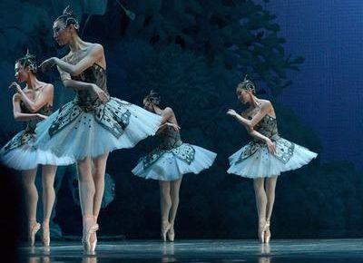 71岁过芭蕾六级 这样好美!