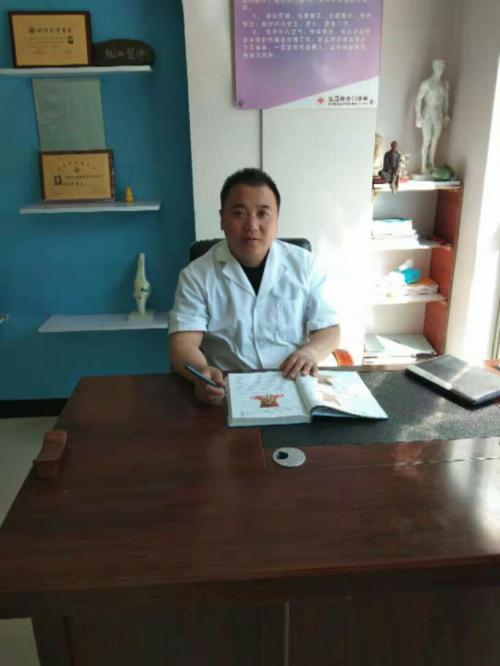 闫世福――最美乡村医生