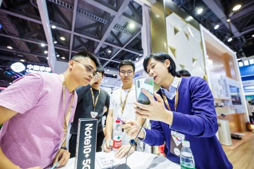 5G+ 未来无限可能 三星电子携5G产品亮相中国移动全球合作伙伴大会