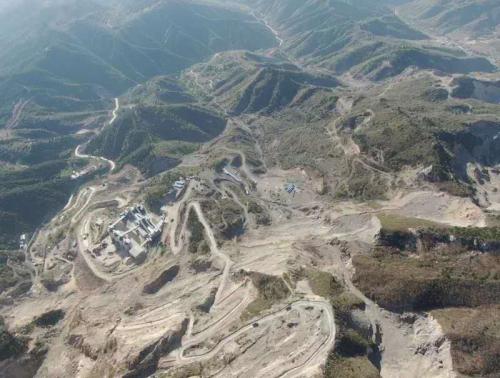 山西省文水县:疯狂毁林采石,缘于基层执法难?