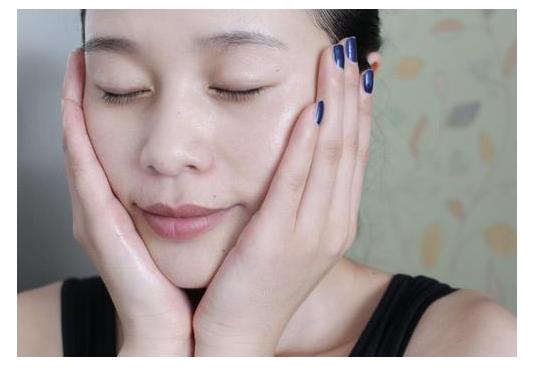 美容院的身体护理和皮肤护理更加专业 学会这几招在家也能做保养