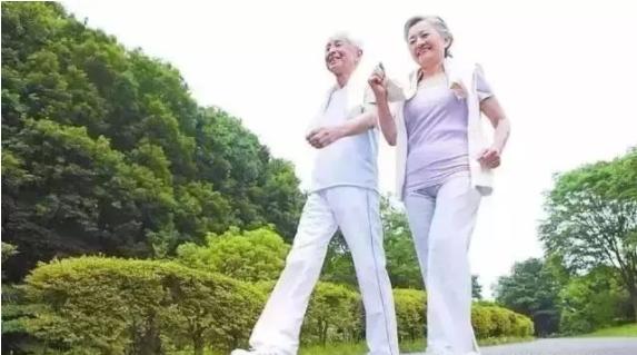 """2021年老年人健康养生知识 老年人养生最关键是一个""""慎"""""""