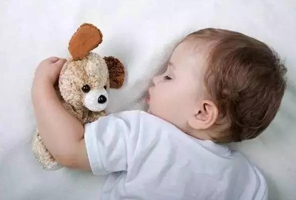 母婴分床睡是否对宝宝身心健康有利 来看看专家是怎么说的