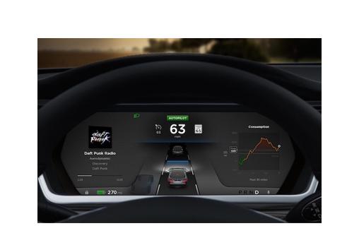 驾驶过程中可提供能见度最大化 特斯拉的异形方向盘传递无人驾驶汽车信号