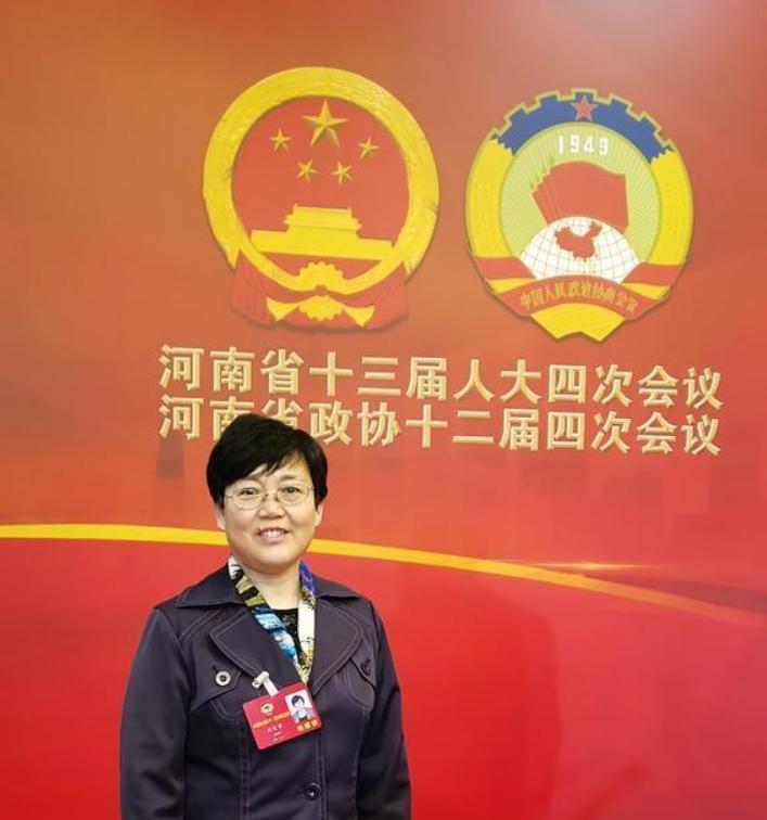 周爱荣称要实施学历教育 提高新型职业农民的文化水平