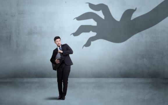 职场中你和同事相处时的心计 要小心提防对方这3个套路