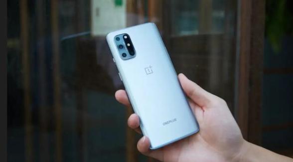 """最近国产手机出现一匹""""创新""""黑马 同时获得三家官媒点赞"""
