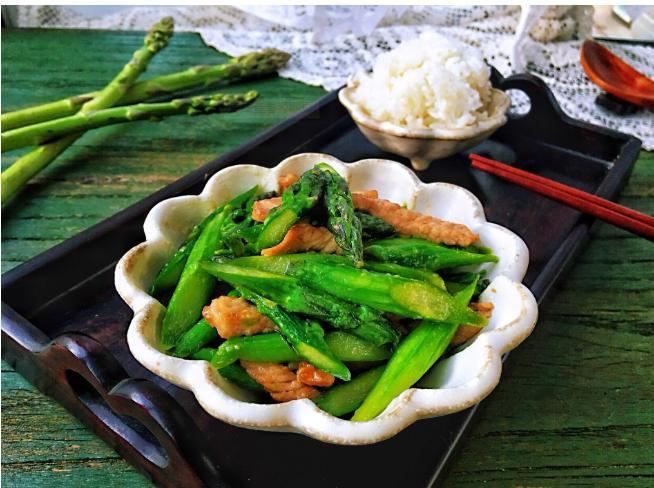 芦笋营养价值高美容抗癌效果好 多吃芦笋是补充叶酸的重要食物来源