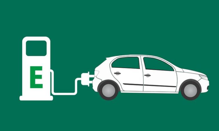 完善法律法规政策体系 加强新能源汽车充换电加氢等配套基础设施建设