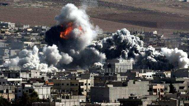 滚动︱叙利亚军方消息人士:叙东部地区遭到空袭