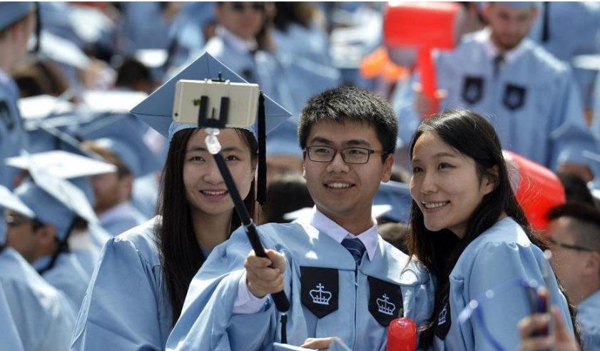 OPT申请被延误国际学生提交集体诉讼 美国移民局确保居留合法不受OPT延期影响