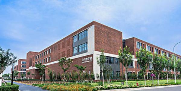 2021年浙江最厉害的几所高中 进入这几所学校就能轻松进名校
