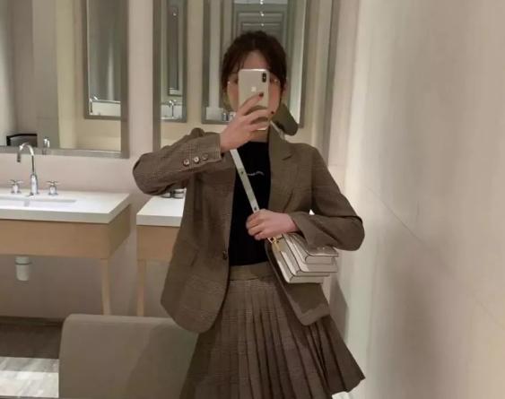 2021最新早春穿搭技巧 教你成为时尚宠儿