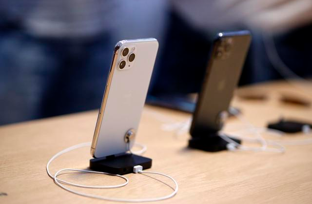 在巴西,苹果因不附赠充电头被罚200万美元