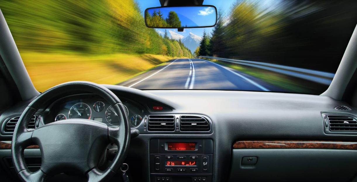 无人驾驶汽车法律规制 建立公私协作的无人驾驶汽车治理模式