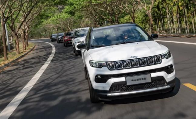 【Jeep新指南者如何】Jeep新指南者试乘评价驾驶。