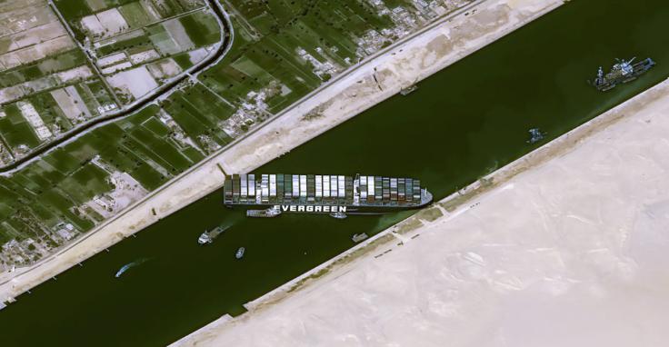 苏伊士运河多久能通行?这次事故会影响物价吗?