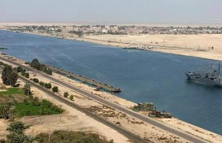 长赐号脱困 苏伊士运河恢复交通