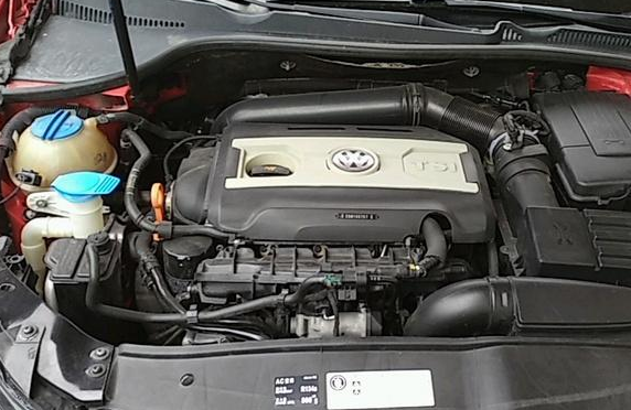 发动机渗油要不要紧 发动机渗油怎么办