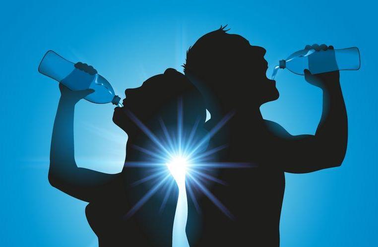 """早上要不要喝水?早上空腹喝水,对身体有哪些""""好处""""?"""