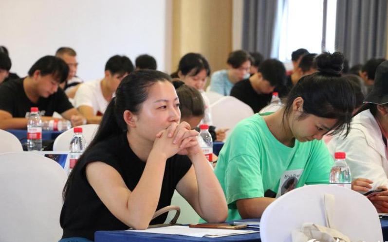 成人高考什么时候开始报名考试呢?2021年成人高考考试时间安排