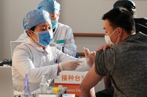 国家鼓励接种新冠状疫苗。新冠状疫苗是否安全?