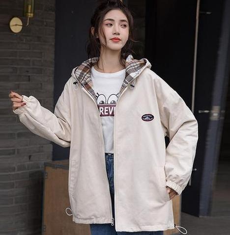 2021女生春季外套穿搭风格 学会下面女生春季外套穿搭风格让你变时尚