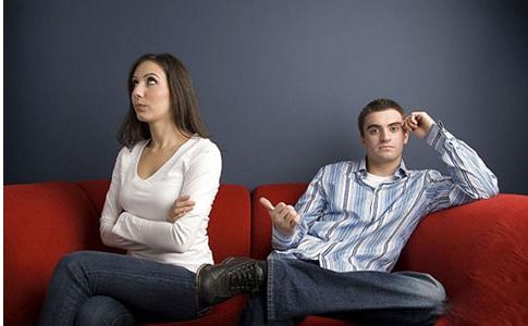 女朋友生气了要分手怎么挽回 女朋友要分手挽回的话