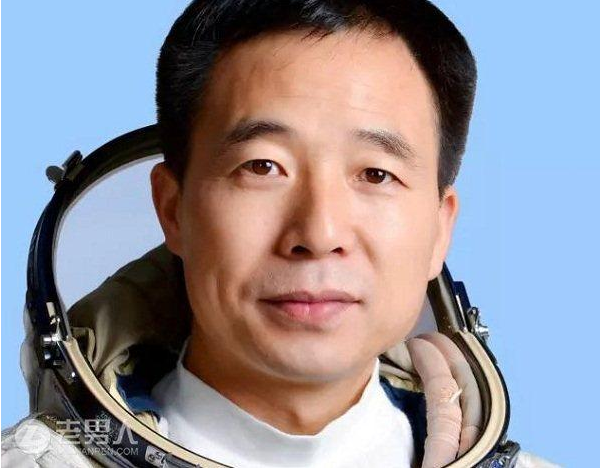 中国11名航天员飞天 其中六人被授予少将军衔