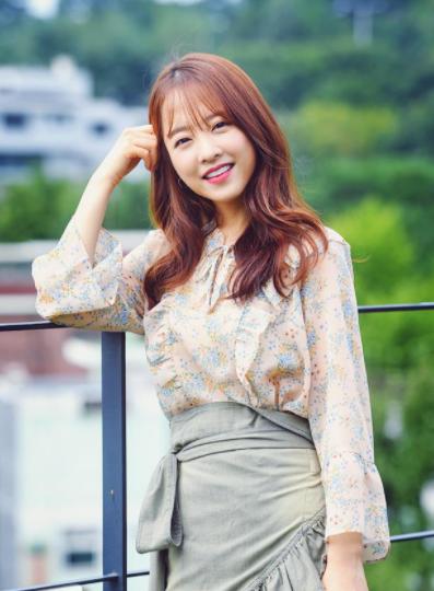 韩国女明星春季时尚穿搭 春夏马上穿出少女感