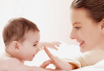 夏季宝宝脸上长小红疙瘩是怎么回事?宝宝脸上长小红疙瘩需要怎么处理?