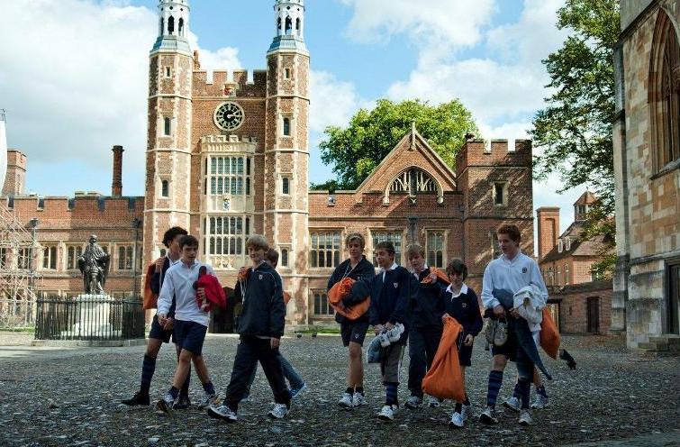 在英国留学哪些专业最好找工作?最好找工作的专业哪些学校强?
