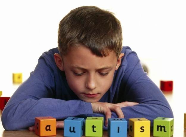 先天性自闭症能治好吗?自闭症的原因有哪些?