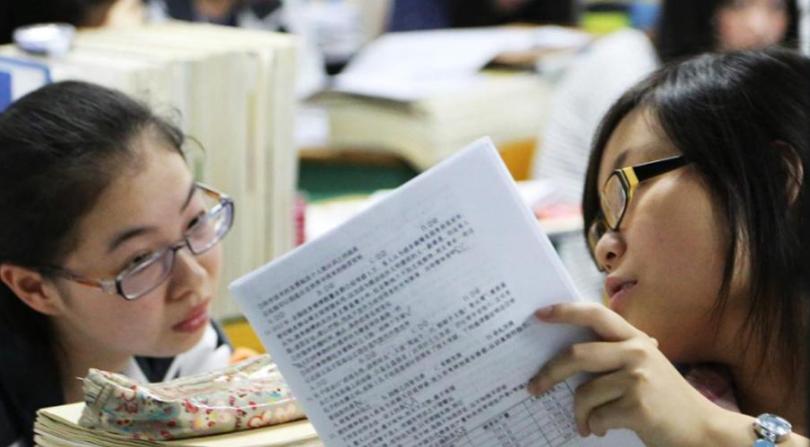 2021年高三期中考试的总结 课内重视听讲课后及时复习