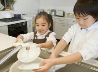 五一劳动节小学生在家可以做哪些家务?劳动,是青少年成长过程中的一门必修课