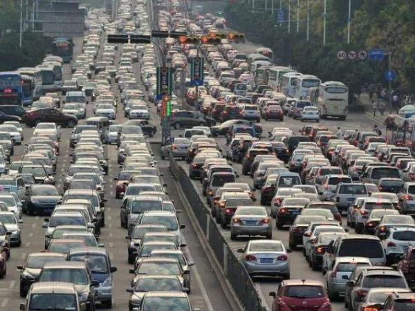 交通部发布五一假期全国交通运输情况 五一出行高峰将来临吴尊友提醒疫情防控不能松懈