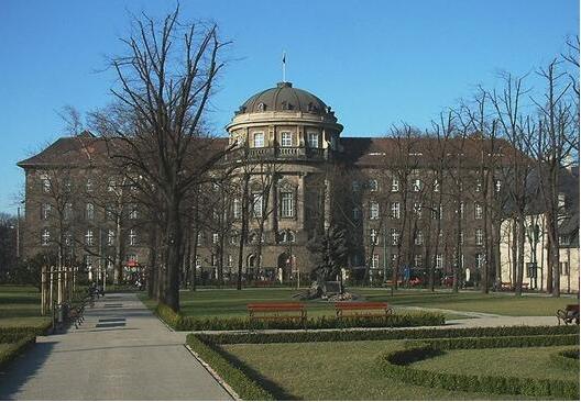 2021后疫情时代波兰留学申请简单吗?2021后疫情时代如何申请波兰留学?