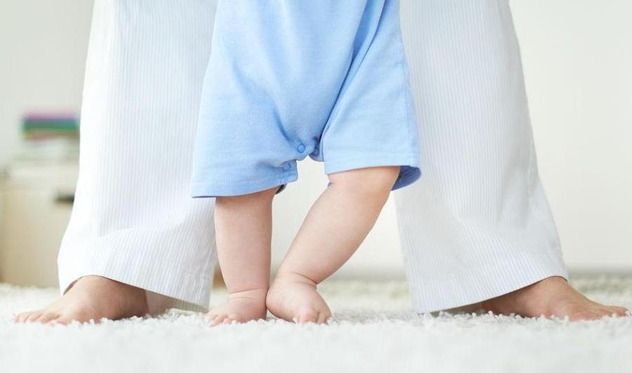 如何防止小孩摔倒?父母可以做哪些防止孩子摔倒的措施?