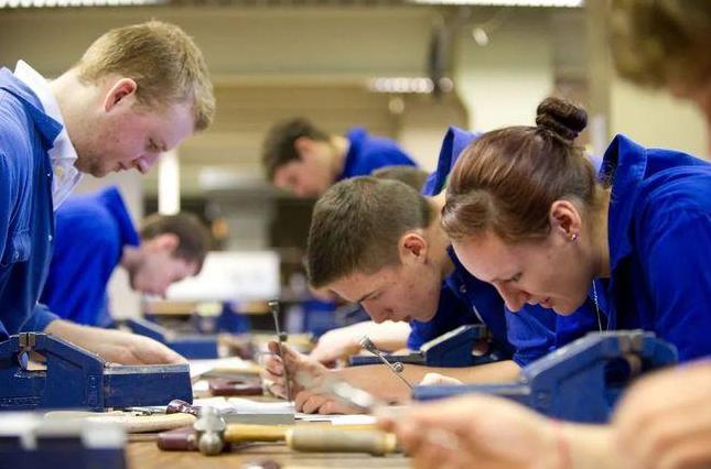 疫情之下英国留学最有潜力的专业有哪些?现在申请英国大学哪些专业好?
