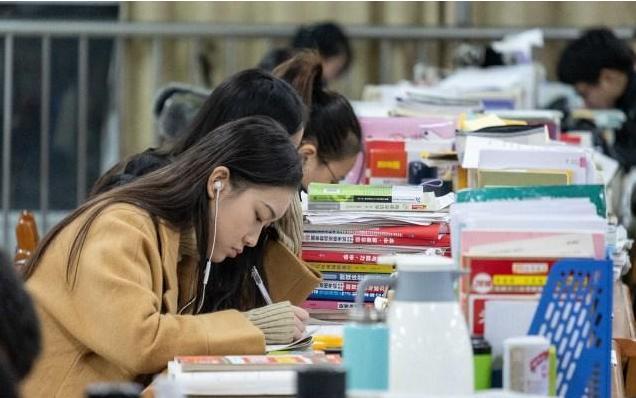 2021年最新考研流程介绍 考研人要越早备考越容易占得先机
